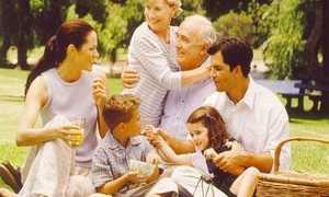 Является ли мать членом семьи сына, если у него своя семья и он живет в другом городе?